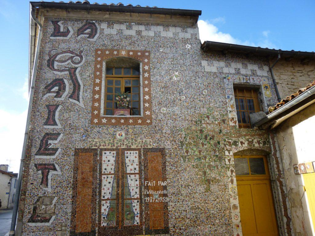Maison de la Gaieté à Chérac (Charente-Maritime). Prises le 11 novembre 2014 par Martine Montebello